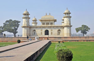 Tomb of I'timād-ud-Daulah in Agra (Photo by Don Knebel)